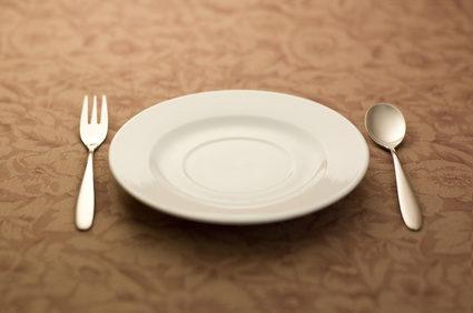 スプーンとフォークとお皿